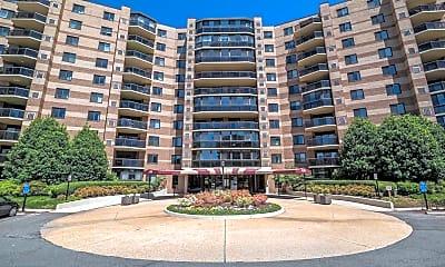 Building, 8370 Greensboro Dr 320, 0