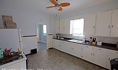 Living Room, 628 7th St S, 1