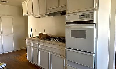 Kitchen, 7231 Teak Way, 2