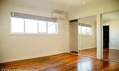 Living Room, 625 N Flores St, 1