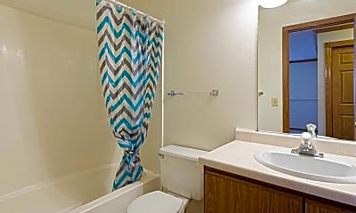 Bathroom, Huntington Hills Apartments & Townhomes, 2