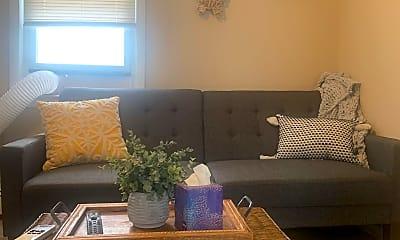 Living Room, 1110 Main St B, 0