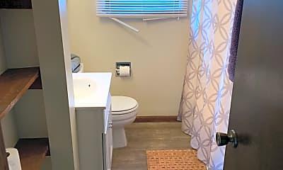Bathroom, 435 Missouri St, 2