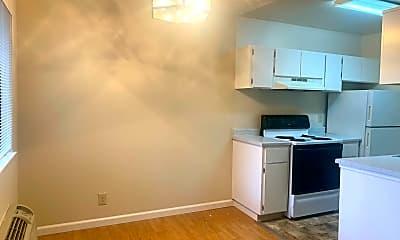 Kitchen, 986 Kiely Blvd, 1