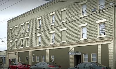 Building, 2044 N Kilpatrick St, 2