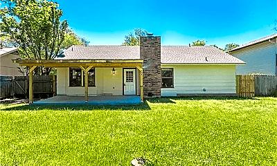 Building, 3900 Hillside Dr, 2