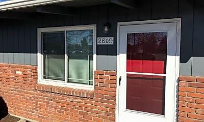 Community Signage, 2601 SE 4th Ave, 1