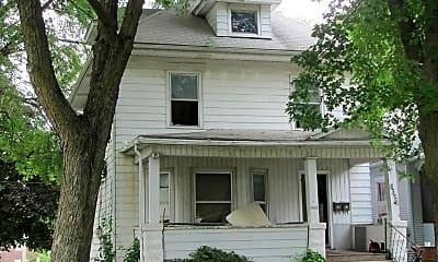 Building, 832 W 1st St, 1
