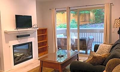 Living Room, 3107 Golden Oaks Ln, 0