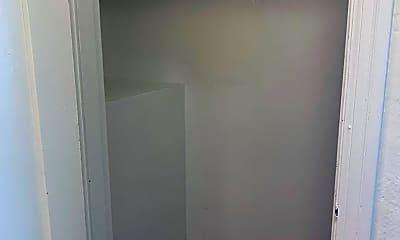 Bathroom, 924 16th Ave, 2