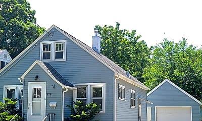 Building, 810 8th St SE, 0