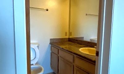 Bathroom, 859 Vermont St, 2