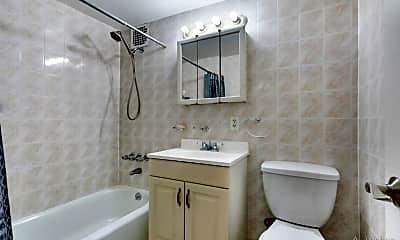 Bathroom, 131 E 17th St, 2