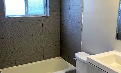 Bathroom, 3954 Washington Ave, 1