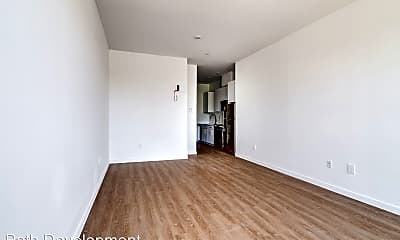 Living Room, 2510 SE 29th Ave, 2