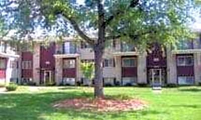 The Courtyards At Roselawn Park, 1