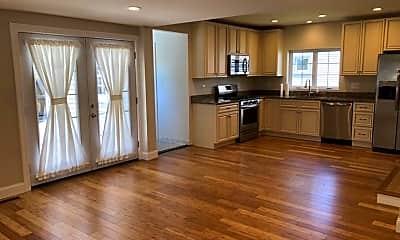 Living Room, 1016 Market St, 1
