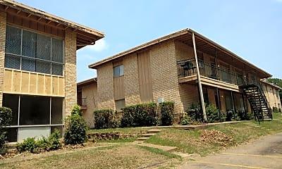 Spring Creek Apartments, 2