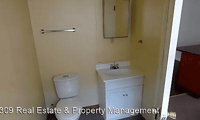 Bathroom, 2919 W Ann St, 2