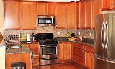 Kitchen, 100 Baylor Ln, 1