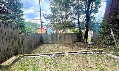 Patio / Deck, 221 Orchard Pl, 2