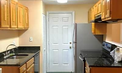 Kitchen, 17 Walden Dr, 2