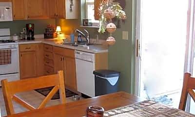 Kitchen, 268 Magnolia Drive, 2