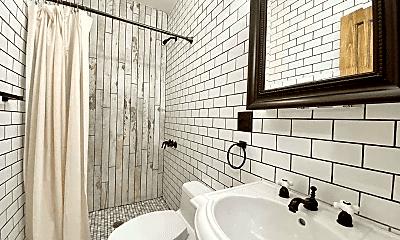 Bathroom, 80 New York Ave, 2