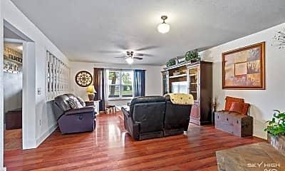 Living Room, 405 SW 10th St, 1