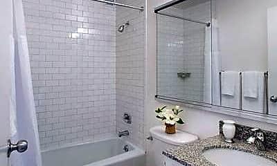 Bathroom, 355 Albany St, 2