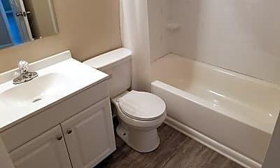 Bathroom, 4143 Richelieu Rd, 1