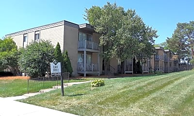East Knolls Apartments, 1