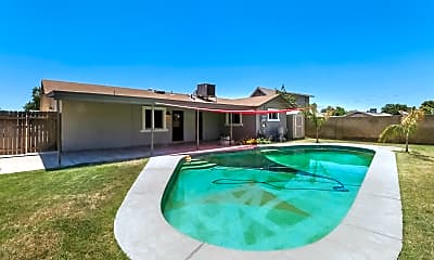 Pool, 826 W Del Rio St, 2
