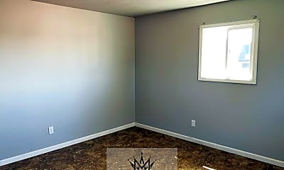 Bedroom, 3308 S Lincoln Ave, 1