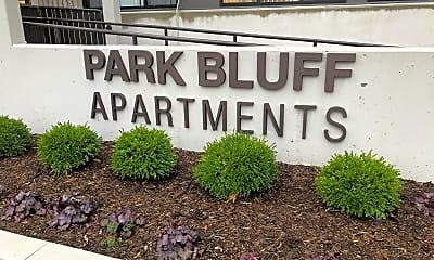 Park Bluff, 1