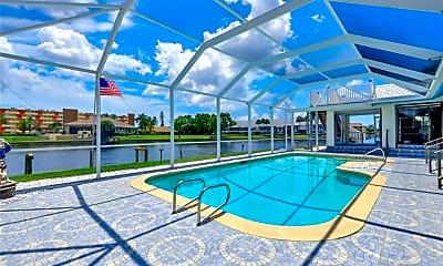 Pool, 2006 SE 47th St, 1