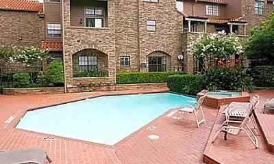 Pool, 6002 Auburndale Ave B, 1