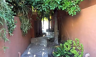 Villa Topanga Apartments, 2