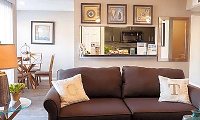 Living Room, 401 E Beady Rd, 2