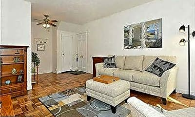 Living Room, 3728 Gunston Rd 918-3728, 1