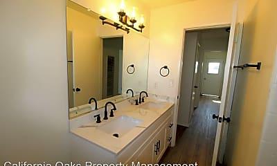 Bathroom, 141 College Dr, 2