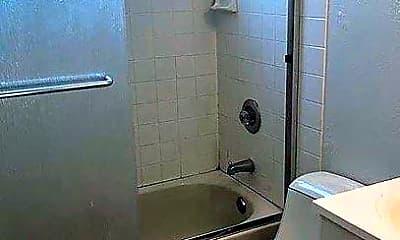 Bathroom, 40146 Leslie St, 2