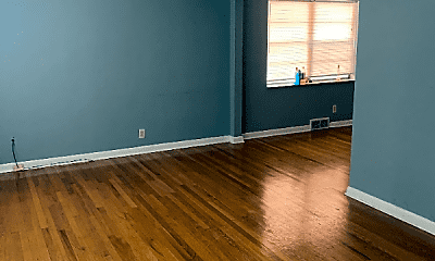 Living Room, 7020 Dartmouth Ave, 1