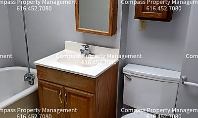 Bathroom, 617 Crescent St NE, 1