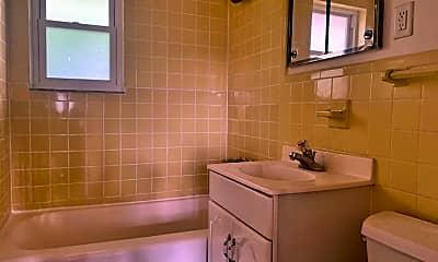 Bathroom, 139 W Englewood Ave, 2