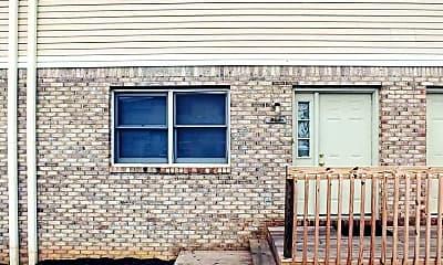 Living Room, 428 W Northlane Dr, 1