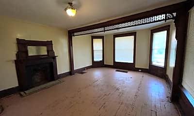 Living Room, 448 4th St, 1