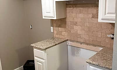 Kitchen, 906 Harris St, 1