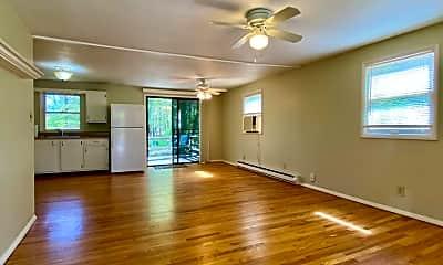 Living Room, 20 Singing Pines Dr, 1