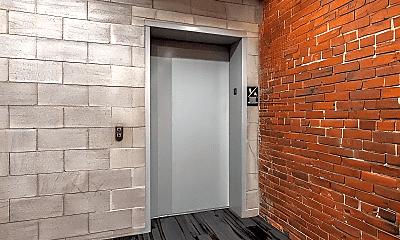 Bathroom, 225 N 4th St, 2